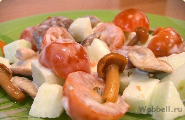 Помидор маринованные грибы салат
