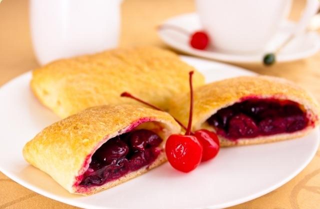 Рецепт теста пирожков с вишнями